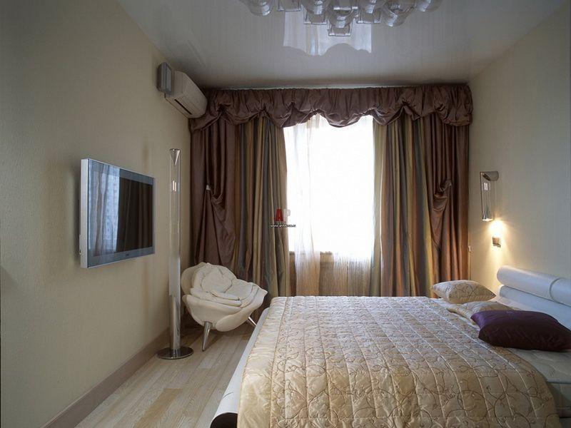 этом потолки в узких спальнях фото окна рулонными